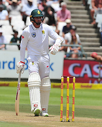 Cape Town 180108  Injured south African fast bowler Dale Steyn on the crease even though he has not healed.  Picture:Phando Jikelo/African News Agency(ANA)