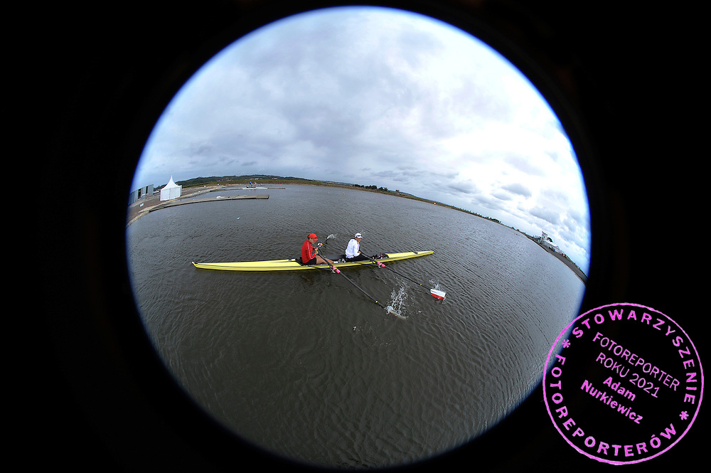 (L) MAGDALENA FULARCZYK & (R) JULIA MICHALSKA (BOTH POLAND) WHILE THEIR TREINING SESSION IN WOMEN'S DOUBLE SCULLS THREE DAYS BEFORE REGATTA EUROPEAN ROWING CHAMPIONSHIPS IN MONTEMOR-O-VELHO, PORTUGAL...PORTUGAL , MONTEMOR-O-VELHO , SEPTEMBER 7, 2010..( PHOTO BY ADAM NURKIEWICZ / MEDIASPORT ).