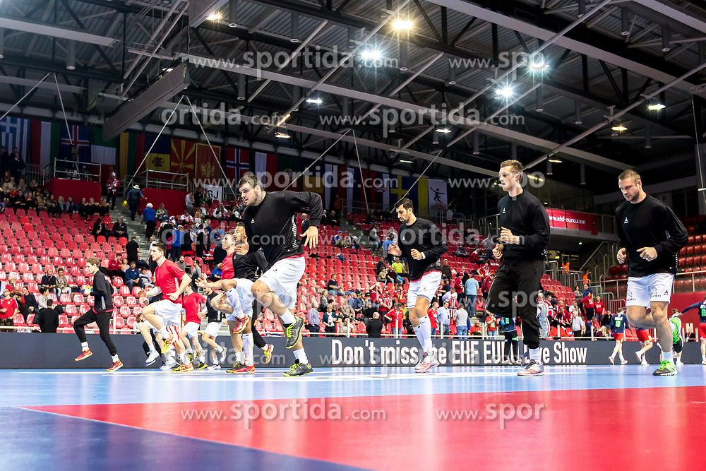 12.05.2017, Zatika Sport Centre, Porec, CRO, EHF EM, Herren, Österreich vs Norwegen, Gruppe B, im Bild die Spieler von Österreich beim Aufwärmen // during the preliminary round, group B match of the EHF men's Handball European Championship between Austria and Norway at the Zatika Sport Centre in Porec, Croatia on 2017/05/12. EXPA Pictures © 2018, PhotoCredit: EXPA/ Sebastian Pucher