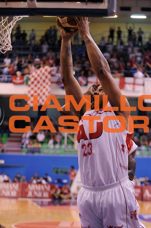 DESCRIZIONE : Milano Lega A 2008-09 Playoff Quarti di finale Gara 2 Armani Jeans Milano Bancatercas Teramo<br /> GIOCATORE : Maurice Taylor<br /> SQUADRA : Armani Jeans Milano<br /> EVENTO : Campionato Lega A 2008-2009<br /> GARA : Armani Jeans Milano Bancatercas Teramo<br /> DATA : 20/05/2009<br /> CATEGORIA : tiro<br /> SPORT : Pallacanestro<br /> AUTORE : Agenzia Ciamillo-Castoria/A.Dealberto