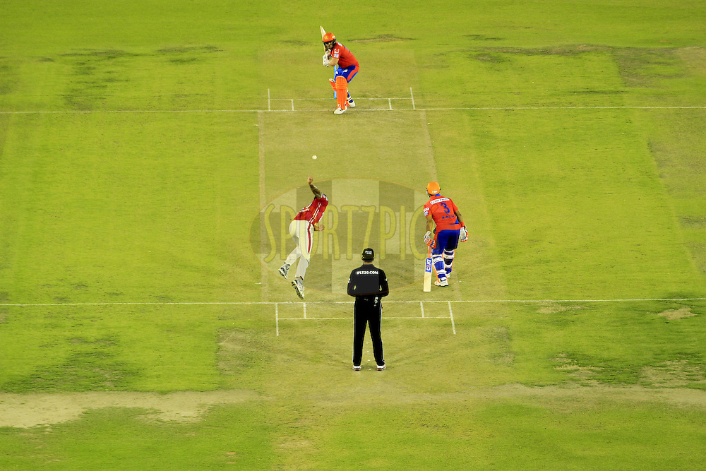 Gujarat Lions and Kings XI Punjab players in action during match 3 of the Vivo Indian Premier League ( IPL ) 2016 between the Kings XI Punjab and the Gujarat Lions held at the IS Bindra Stadium, Mohali, India on the 11th April 2016<br /> <br /> Photo by Arjun Singh/ IPL/ SPORTZPICS