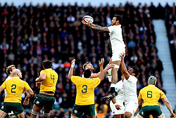 Courtney Lawes of England catches the ball from the line out - Mandatory by-line: Robbie Stephenson/JMP - 03/12/2016 - RUGBY - Twickenham - London, England - England v Australia - Old Mutual Wealth Series