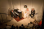 GEORGE FENTON, DAME JUDY DENCH AND SIR RICHARD EYRE. These Foolish Things, charity evening hosted by Sir Richard and Lady Rogers. Chelsea. London. 7 May 2008.  *** Local Caption *** -DO NOT ARCHIVE-© Copyright Photograph by Dafydd Jones. 248 Clapham Rd. London SW9 0PZ. Tel 0207 820 0771. www.dafjones.com.