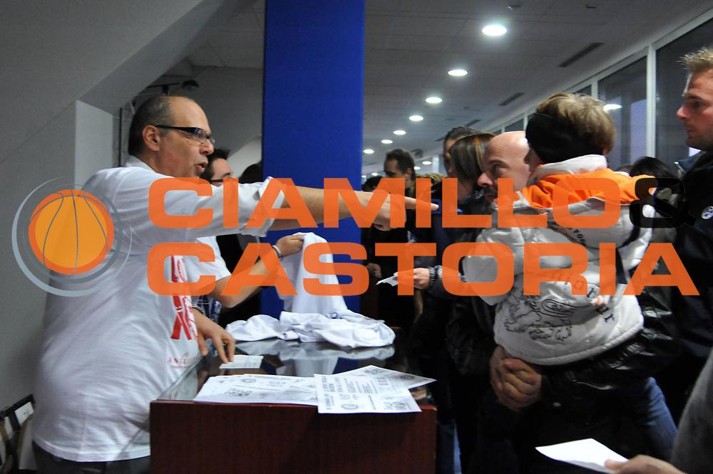 DESCRIZIONE : Biella Lega A 2011-12 Angelico Biella EA7 Emporio Armani Milano<br /> GIOCATORE : Marco Atripaldi<br /> SQUADRA : Angelico Biella<br /> EVENTO : Campionato Lega A 2011-2012<br /> GARA : Angelico Biella EA7 Emporio Armani Milano<br /> DATA : 15/01/2012<br /> CATEGORIA : <br /> SPORT : Pallacanestro<br /> AUTORE : Agenzia Ciamillo-Castoria/S.Ceretti<br /> Galleria : Lega Basket A 2011-2012<br /> Fotonotizia : Biella Lega A 2011-12 Angelico Biella EA7 Emporio Armani Milano<br /> Predefinita :
