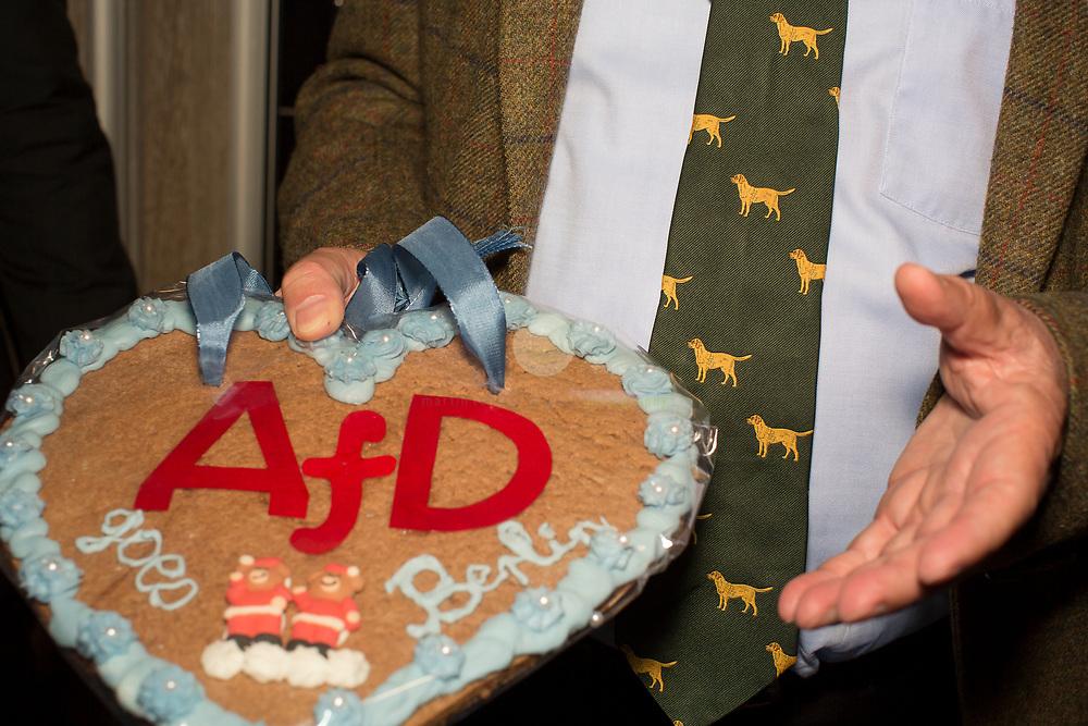 DE, DEUTSCHLAND, Berlin, Traffic Club. 24.09.2017 / Wahlparty der AfD. Alexander Gauland, Spitzenkandidat der AfD für den Bundestag, auf der Wahlparty im Traffic Club. Hier im Fokus seine rituelle Hunde-Krawatte.