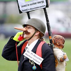 08.11.2010, Castortransport 2010, Dannenberg, GER, Demonstrantin mit Pinchoccio Nase gegen Atomkraft, EXPA Pictures © 2010, PhotoCredit: EXPA/ nph/  Kohring+++++ ATTENTION - OUT OF GER +++++