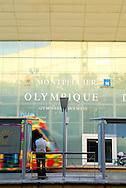 France, Languedoc Roussillon, Hérault, Montpellier, quartier Antigone, la piscine olympique, le tramway