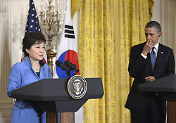 59613454  .U.S. President Barack Obama (R) shakes hands with visiting South Korean President Park Geun-hye during a joint press conference after their meetings in the East Room of the White House in Washington D.C., capital of the United States, May 7, 2013. Photo by:  imago / i-Images.UK ONLY