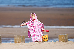 A youngster has fun on Portobello Beach in Edinburgh during a sunny first day of Autumn.<br /> <br /> Edinburgh Weather Pictures, Thursday 22nd September 2016<br /> <br /> (c) Alex Todd | Edinburgh Elite media