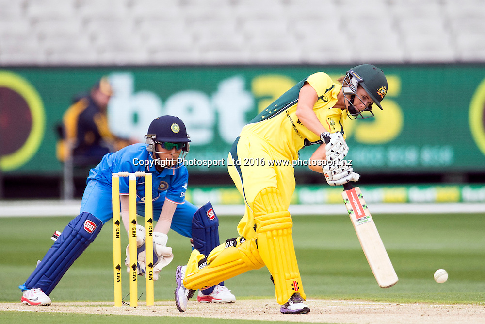 Australia's Jessica Louise Jonassen in action during the Women's Twenty20 match between Australia and India at the MCG in Melbourne, Australia. Friday 29 January 2016. Copyright photo: Raghavan Venugopal / www.photosport.nz