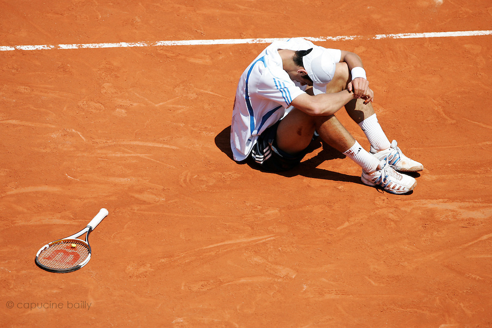 Roland Garros. Paris, France. June 7th 2006..Novak Djokovic against Rafael Nadal during the 1/4 finals.