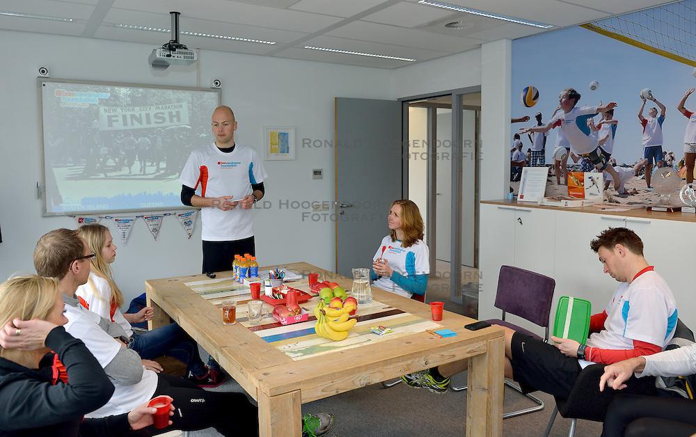 21-03-2015 NED: We Run 2 Change Diabetes NY 2015, Arnhem<br /> We run to change diabetes, training van de groep hardlopers met diabetes die op 1 november 2015 hun grenzen gaan verleggen in de marathon van New York / Jeroen, sasja, Marco