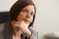 19 JUN 2003, BERLIN/GERMANY:<br /> Katrin Dagmar Goering-Eckardt, B90/Gruene Fraktionsvorsitzende, waehrend einem Interview in ihrem Buero, Jakob-Kaiser-Haus, Deutscher Bundestag<br /> IMAGE: 20030619-01-046<br /> KEYWORDS: Katrin Dagmar Göring-Eckardt