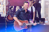 BLAKE SHELTON @ NBC TODAY SHOW 2016