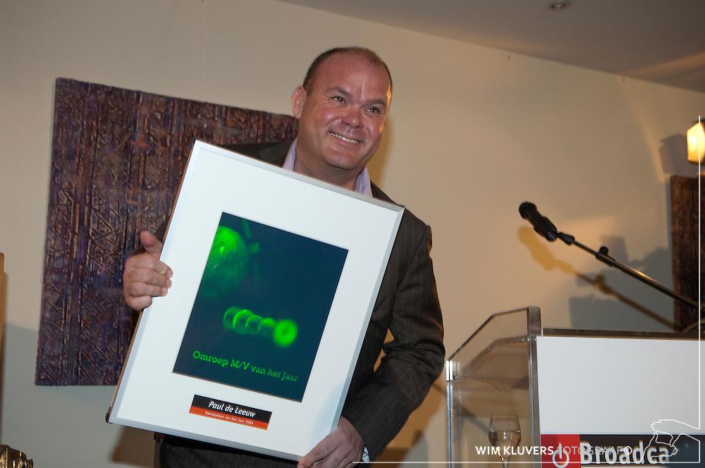 Bussum  20070112..Broadcast uitreiking omroepman 2006 Paul de Leeuw.met hologram