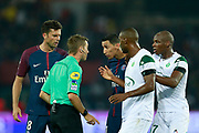 Paris Saint Germain's Argentinian forward Angel Di Maria talks to the referee during the French championship L1 football match between Paris Saint-Germain (PSG) and Saint-Etienne (ASSE), on August 25, 2017 at the Parc des Princes in Paris, France - Photo Benjamin Cremel / ProSportsImages / DPPI