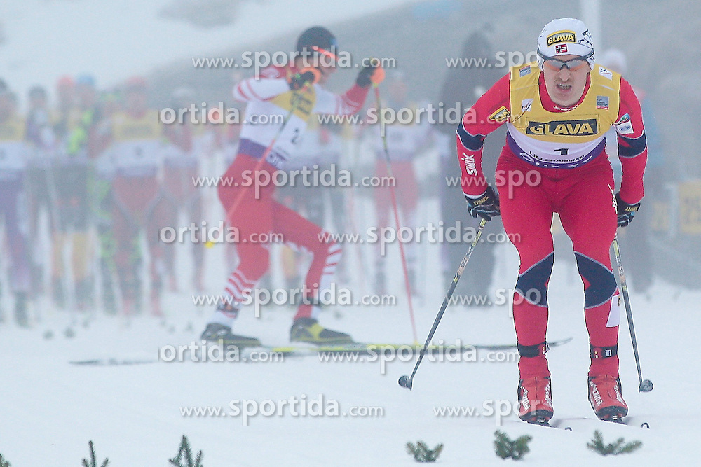 25.11.2012, Langlaufstrecke, Lillehammer, NOR, FIS Nordische Kombination Weltcup, Penalty Race, im Bild Klemetsen Haavard (NOR) at the start. Behind him Bernhard Gruber makes a FALSE START during Penalty Race of FIS Nordic Combined Worldcup at the Cross Country Course, Lillehammer, Norway on 2012/11/25. EXPA Pictures © 2012, PhotoCredit: EXPA/ Federico Modica