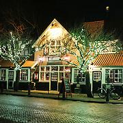 NLD/Blaricum/20110103 - Blaricum bij nacht, cafe Moeke Spijkstra