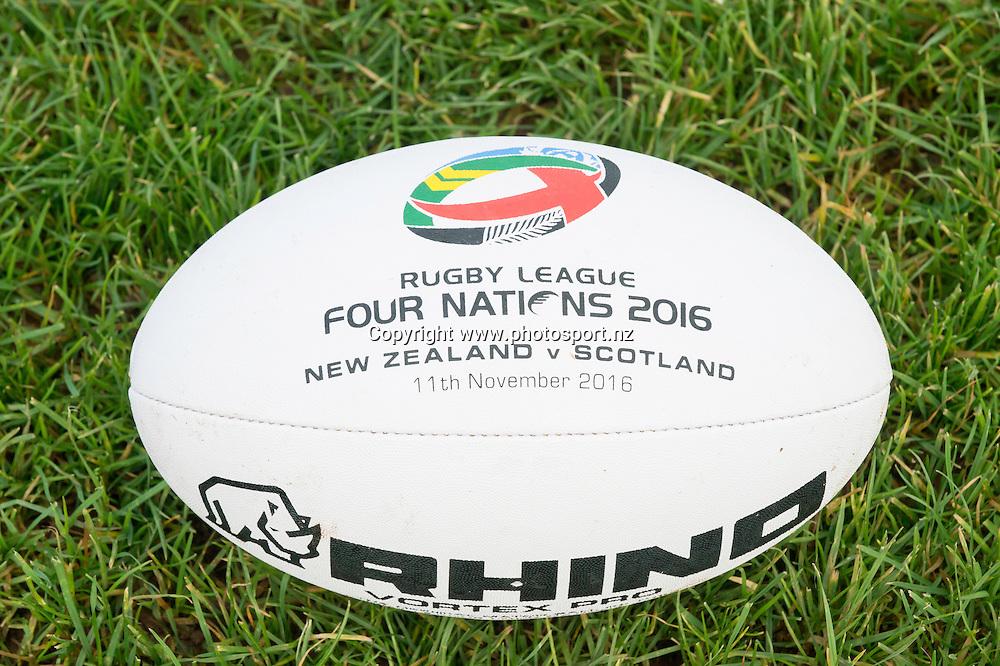 Picture by Allan McKenzie/SWpix.com - 10/11/2016 - Rugby League - 2016 Ladbrokes 4 Nations - New Zealand Kiwis Captains Run - Aspatria Rugby Club, Aspatria, England - Rugby League Four Nations 2016, rugby ball. Copyright Image: SWPix / www.photosport.nz