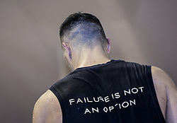 10.11.2015, Stanglwirt, Going, AUT, Wladimir Klitschko, Training, Kampfvorbereitung gegen Tyson Fury (GBR), im Bild Wladimir Klitschko und ein T-Shirt mit der Aufschrift Failure is not an Option, Wladimir Klitschko during a training session before his fight against Tyson Fury (GBR) at the Stanglwirt in Going, Austria on 2015, 11, 10. EXPA Pictures © 2015, PhotoCredit: EXPA, Martin Huber