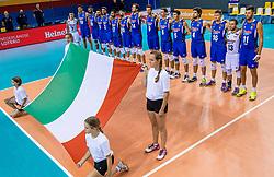 19-08-2017 NED: Oefeninterland Nederland - Italië, Apeldoorn<br /> De Nederlandse volleybal mannen spelen hun tweede oefeninterland van twee in Topsporthal De Voorwaarts tegen Italie als laatste voorbereiding op het EK in Polen / Team Italie