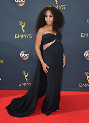 Kerry Washington bei der Verleihung der 68. Primetime Emmy Awards in Los Angeles / 180916<br /> <br /> *** 68th Primetime Emmy Awards in Los Angeles, California on September 18th, 2016***