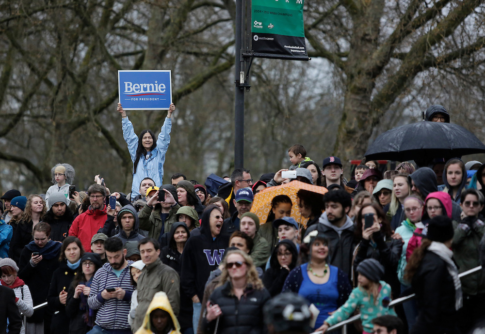 Democratic presidential candidate Bernie Sanders addresses supporters outside his rally at Key Arena on March 20, 2016 in Seattle. AFP PHOTO/JASON REDMOND