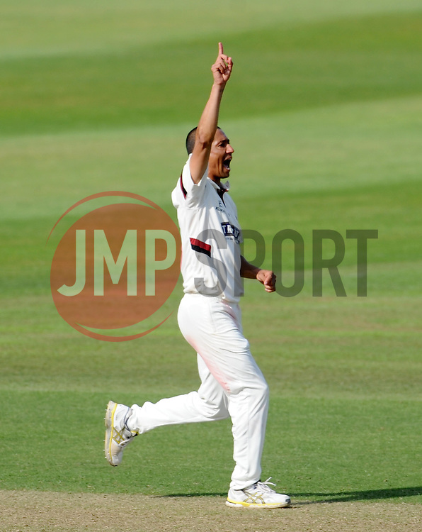 Somerset's Alfonso Thomas unsuccessfully appeals for the wicket of Nottinghamshire's Luke Wood. - Photo mandatory by-line: Harry Trump/JMP - Mobile: 07966 386802 - 14/06/15 - SPORT - CRICKET - LVCC County Championship - Division One - Day One - Somerset v Nottinghamshire - The County Ground, Taunton, England.