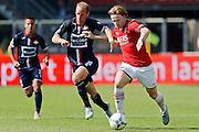 ALKMAAR - 23-08-15, AZ - Willem II, AFAS Stadion, 0-0, AZ speler Guus Hupperts (r), Willem II speler Frank van der Struijk (m).
