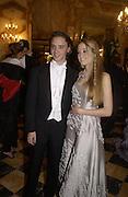 Florence Brudenell Bruce and her escort, Charles de la Ferriere. Crillon Debutantes Ball 2002. Paris. 7 December 2002. © Copyright Photograph by Dafydd Jones 66 Stockwell Park Rd. London SW9 0DA Tel 020 7733 0108 www.dafjones.com