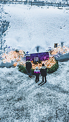 THEMENBILD - Einwohner gedenken dem verstorbenen Skispringer Matti Nykaenen mit Kerzen rund um ein Foto, aufgenommen am 09. Februar 2019 in Lahti, Finnland // Residents commemorate the dead ski jumper Matti Nykaenen with candles around a photo. Lahti, Finland on 2019/02/09. EXPA Pictures © 2019, PhotoCredit: EXPA/ JFK