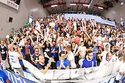 DESCRIZIONE : Sassari Lega A 2014-15 Dinamo Banco di Sardegna Sassari - Grissin Bon Reggio Emilia  Finale playoff  gara 3<br /> GIOCATORE : tifosi Banco di Sardegna Sassari<br /> CATEGORIA :  Low Tifosi Before <br /> SQUADRA : Banco di Sardegna Sassari: <br /> EVENTO : LegaBasket Serie A Beko 2014/2015<br /> GARA : Dinamo Banco di Sardegna Sassari - Grissin Bon Reggio Emilia Finale playoff gara 3<br /> DATA : 18/06/2015 <br /> SPORT : Pallacanestro <br /> AUTORE : Agenzia Ciamillo-Castoria /Richard Morgano<br /> Galleria : Lega Basket A 2014-2015 Fotonotizia : Sassari Lega A 2014-15 Dinamo Banco di Sardegna Sassari - Grissin Bon Reggio Emilia playoff Semifinale gara 3<br /> Predefinita :
