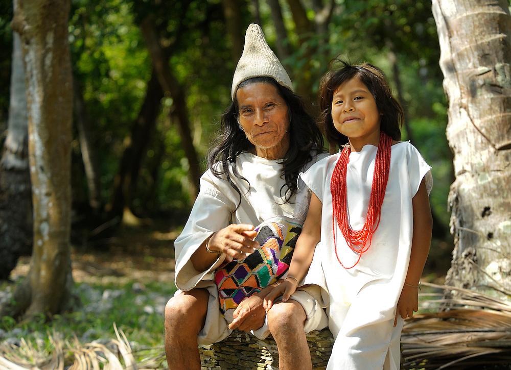 Lorenzo and son, Indigenous, Arrecifes, Park Tayrona, Parque Nacional Tayrona, Department Magdalena, Colombia