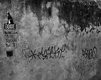 Graffiti. Morning Street Photography in Sintra. Image taken with a Fuji X-T3 camera and 35 mm f/1.4 lens.