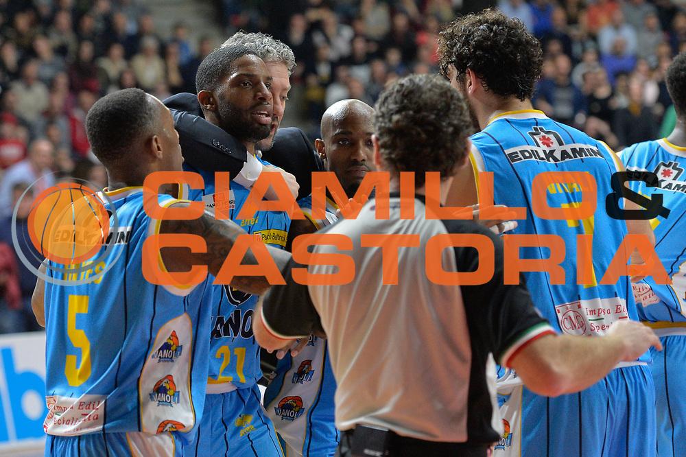 DESCRIZIONE : Milano Lega A 2014-15 Openjobmetis Varese- Vagoli Basket Cremona<br /> GIOCATORE : Clark Cameron<br /> CATEGORIA :Rissa<br /> SQUADRA : Vagoli Basket Cremona<br /> EVENTO : Campionato Lega A 2014-2015 GARA :Openjobmetis Varese - Vagoli Basket Cremona<br /> DATA : 22/03/2015 <br /> SPORT : Pallacanestro <br /> AUTORE : Agenzia Ciamillo-Castoria/IvanMancini<br /> Galleria : Lega Basket A 2014-2015 Fotonotizia : Varese Lega A 2014-15 Openjobmetis Varese - Vagoli Basket Cremona