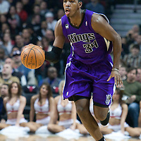21 December 2009: Sacramento Kings center Jason Thompson brings the ball upcourt during the Sacramento Kings 102-98 victory over the Chicago Bulls at the United Center, in Chicago, Illinois, USA.