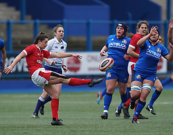 February 2, 2020, Cardiff, United Kingdom: Robyn Wilkins (Wales) seen in action during the women's Six Nations Rugby between wales and Italy at Cardiff Arms Park in Cardiff. (Credit Image: © Graham Glendinning/SOPA Images via ZUMA Wire)