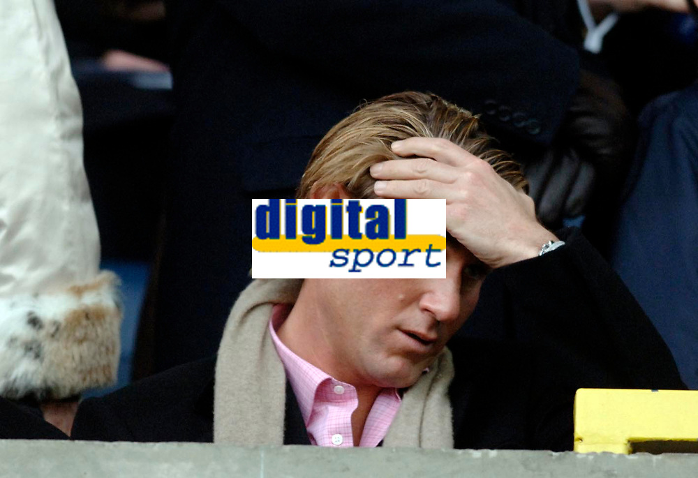 Photo: Daniel Hambury.<br />Millwall FC v Crystal Palace. Coca Cola Championship. 18/02/2006.<br />Palace's chairman Simon Jordan can't look as his side concede a late equaliser.