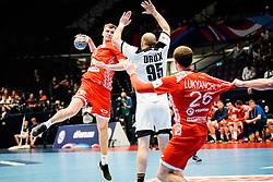 16.01.2020, Wiener Stadthalle, Wien, AUT, EHF Euro 2020, Weißrussland vs Deutschland, Hauptrunde, Gruppe I, im Bild v. l. Uladzislau Klesh (BLR), Paul Drux (GER) // f. l. Uladzislau Klesh (BLR) Paul Drux (GER) during the EHF 2020 European Handball Championship, main round group I match between Belarus and Germany at the Wiener Stadthalle in Wien, Austria on 2020/01/16. EXPA Pictures © 2020, PhotoCredit: EXPA/ Florian Schroetter
