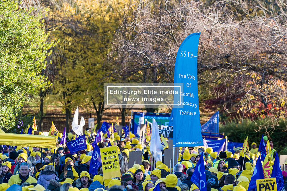 Teachers in the EIS teaching union campaign for a 10% pay rise in Kelvingrove Park, Glasgow (c) Ross Eaglesham| Edinburgh Elite media