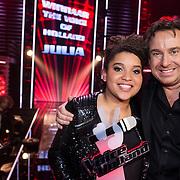 NLD/Hilversum/20131220 - Finale The Voice of Holland 2013, winnares Julia van der Toorn en haar coach Marco Borsato