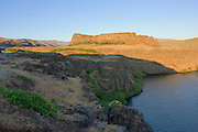 Horsetheif butte, part of Columbia Hills State Park on the Washington side of the Columbia River Gorge National Scenic Area.