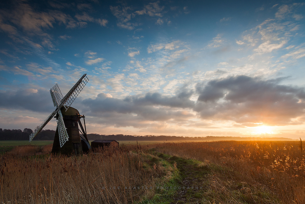 Yet another sunrise shot from Herringfleet Im afraid, it was just too good a morning to ignore!