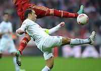FUSSBALL   1. BUNDESLIGA  SAISON 2012/2013   13. Spieltag FC Bayern Muenchen - Hannover 96     24.11.2012 Steven Cherundolo (Hannover 96)