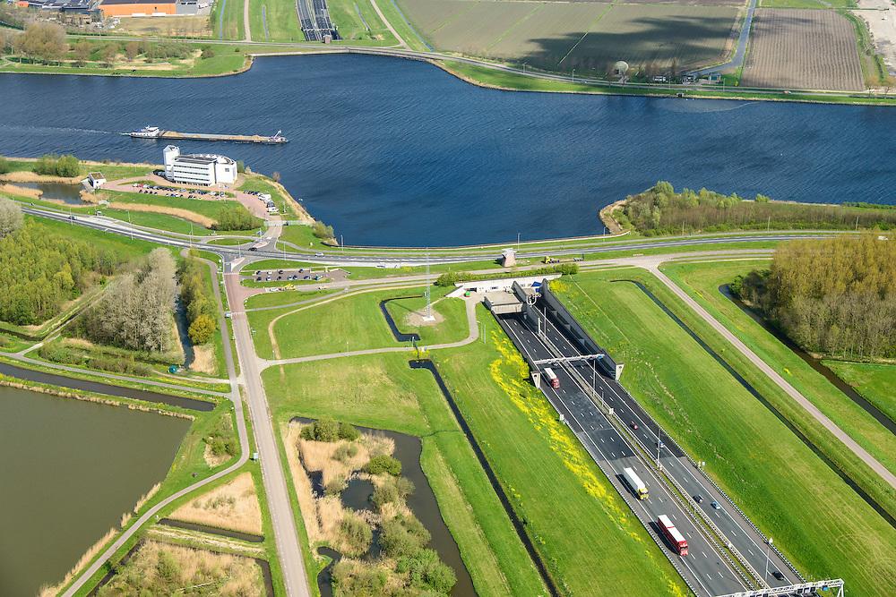 Nederland, Noord-Holland, Gemeente Velsen, 09-04-2014; Wijkertunnel met Noordzeekanaal.<br /> Tunnel near Beverwijk and IJmuiden, crossing Northsea channel.<br /> luchtfoto (toeslag op standard tarieven);<br /> aerial photo (additional fee required);<br /> copyright foto/photo Siebe Swart
