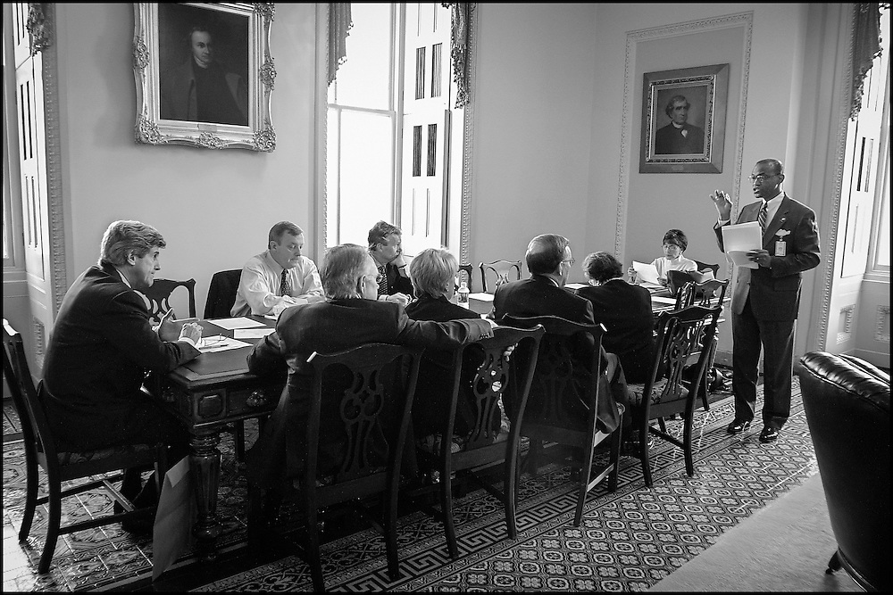 Al Lenhardt, the Senate Sargent of Arms briefs the Democratic Senate Leadership on the current state of affairs concerning the Capitol complex.  10/23/01..©PF BENTLEY/PFPIX.com