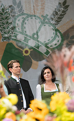 10.09.2017, Wien, AUT, Erntedankfest der Österreichischen Jungbauernschaft im Augarten. im Bild ÖVP Bundesparteiobmann und Spitzenkandidat für die Nationalratswahl Sebastian Kurz und ÖVP-Generalsekretärin Elisabeth Köstinger // Austrian Foreign Minister Sebastian Kurz and Secretary General of the Austrian Peoples Party Elisabeth Koestinger during harvest festival in Vienna, Austria on 2017/09/10. EXPA Pictures © 2017, PhotoCredit: EXPA/ Michael Gruber