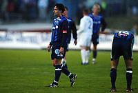 Fotball, 20. april 2002. Tippeligaen, Stabæk v Vålerenga Fotball. Martin Andresen, stabæk, rusler av banen etter å ha spilt 0-0 mot  Vålerenga på hjemmebane.