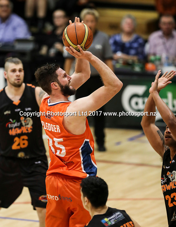Sharks Alex Pledger. Hawkes Bay Hawks v Southland Sharks, NBL basketball, PG Arena, Napier, New Zealand. Sunday, 14 April 2017. Copyright photo: John Cowpland / www.photosport.nz