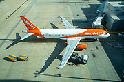 An EasyJet Airbus A320-214 refuelling for the next flight at gate 101 at Gatwick airport north terminal.  Gatwick Airport, Surrey, United Kingdom (photo by Andrew Aitchison / In pictures via Getty Images)